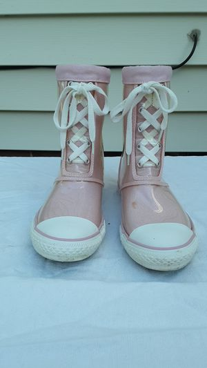 Girls Converse boots for Sale in Euclid, OH