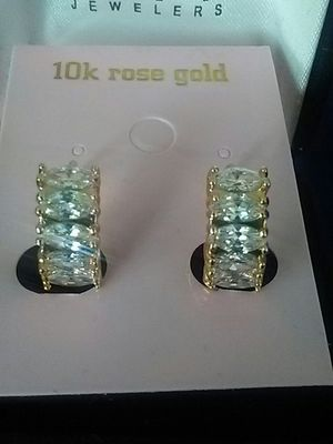 Beautiful Earrings with diamond for Sale in Henderson, NV