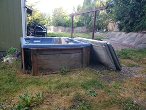 Hot tub for Sale in Eatonville, WA