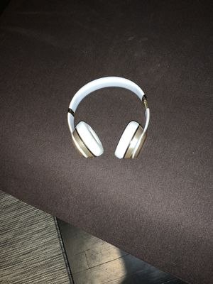 BEATS SOLO 3 WIRELESS HEADPHONES (read details) for Sale in Chicago, IL