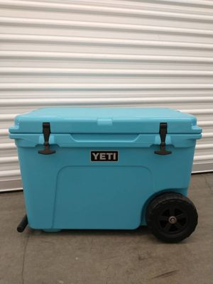 Yeti Tundra Haul cooler with wheels for Sale in Agate, CO
