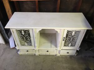 Free Vintage tv stand for Sale in Norwalk, CA