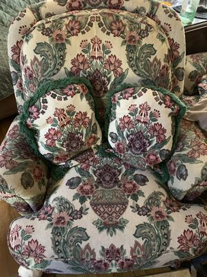FREE VINTAGE CHAIRS for Sale in Los Angeles, CA