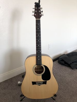 Almost new acoustic guitar/and case for Sale in Los Angeles, CA