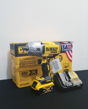 New Impact Wrench Dewalt 1/2 Inch. Whit Battery (1) XR4 and Charger FIRM PRICE for Sale in Woodbridge, VA
