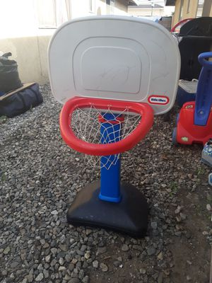 Small basketball hoop for Sale in El Monte, CA
