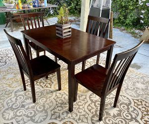 Beautiful Dining Room Table With 4 Chairs for Sale in Carlsbad, CA