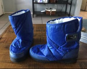 Kids snow boots size 1 for Sale in Glendale, AZ