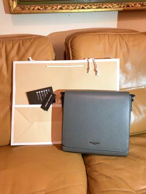 Michael Kors Messenger Bag (Brand new) Sling / Crossbody Bag for Sale in Los Angeles, CA
