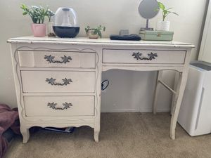 Antique desk for Sale in Torrance, CA