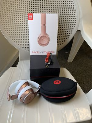 Beats solo 3 Rosegold by dr Dre original like brand new for Sale in Orlando, FL