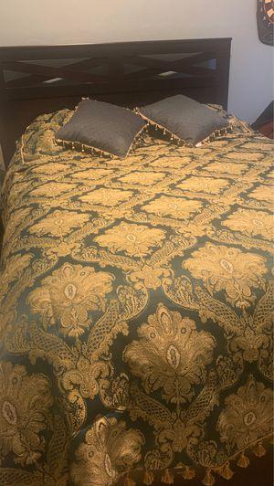 Queen Comforter Set for Sale in Tucson, AZ