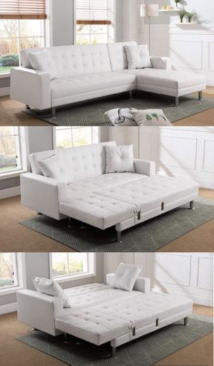 "Modern white sectional sofa sleeper 91.5"" x 61"" for Sale in Fullerton, CA"