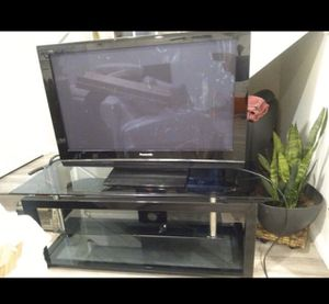 Panasonic tv and tv stand for Sale in Azusa, CA