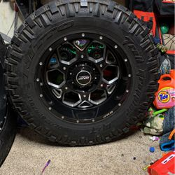 20 Inch Rims With Lt37x12.50xR20 for Sale in San Bruno,  CA
