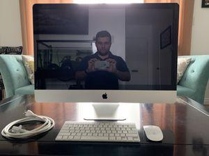 Apple 27 inch iMac, 3.06 Ghz Intel Core 2 Duo 64 bit processor, 12 GB Ram, 2 TB SSHD, Late 2009 Model, Pristine Condition for Sale in Lakewood, CA