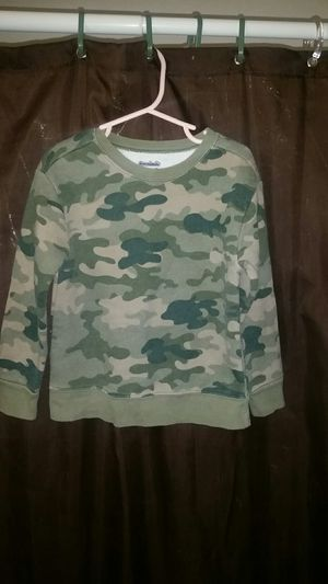 Boys camouflage sweater size 5T for Sale in Orange, CA