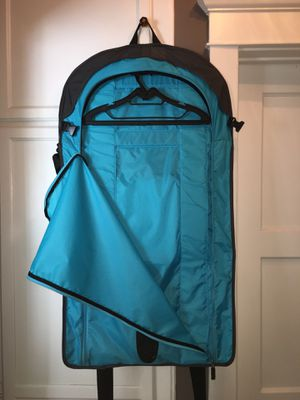 Excellent suit & garment bag perfect for travel for Sale in Los Angeles, CA