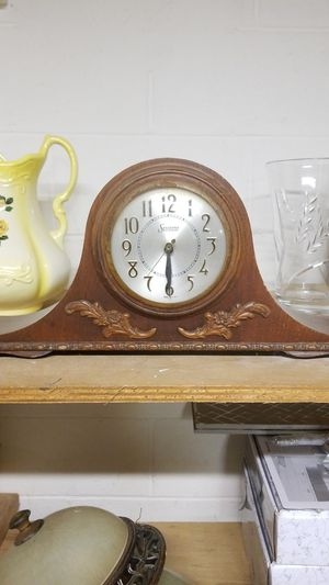 Antique mantle clock for Sale in Glenolden, PA