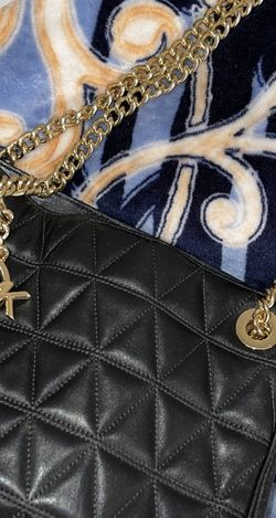MK BLACK QUILTED GOLD CHAIN PURSE for Sale in Lynwood,  CA