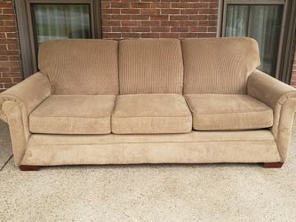 Couch (Free Local Delivery) for Sale in Butler,  PA