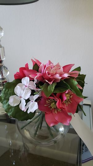 NEW - VASE PINK AND WHITE FLOWERS from Michael's Store for Sale in Pompano Beach, FL