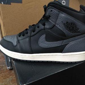 Jordan 1 - retro black and dark gray - Sz 8.5 for Sale in Denver, CO