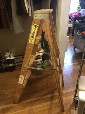 Small 4 ft step ladder for Sale in Portland, OR