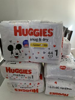 New Huggies Diapers and Wipes. Pick up Only in Lilburn, GA . for Sale in Lilburn,  GA