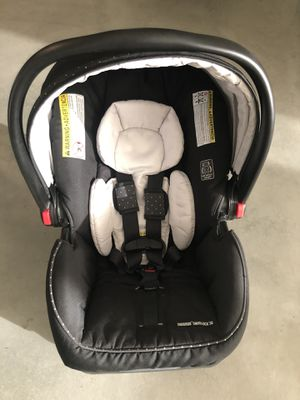 Graco Infant Car Seat and Base for Sale in Azusa, CA