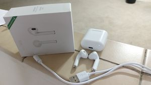 Airpods with charging case+iOS and Android for Sale in Fort Washington, MD