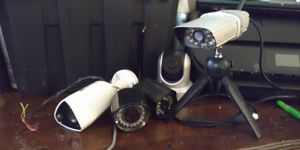 Lot of 5 security cameras for Sale in Greenville, SC