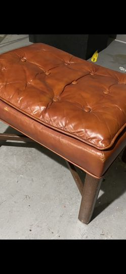 Vintage 70's Leather ottoman for Sale in Arlington,  TX