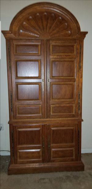 Armoire/Drink Bar for Sale in Hubert, NC