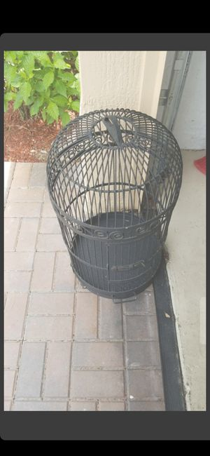"VINTAGE BIRD CAGE (DIAMETER IS 16"" ACROSS) (29 IN TALL!) for Sale in Delray Beach, FL"