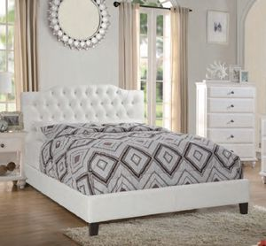King bed. Cama for Sale in Hialeah, FL