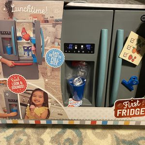 Kids Refrigerator Toy With Play Food for Sale in Duncan, SC