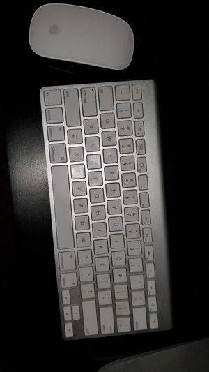 Apple wireless mouse and keyboard / good condition for Sale in Riverside, CA