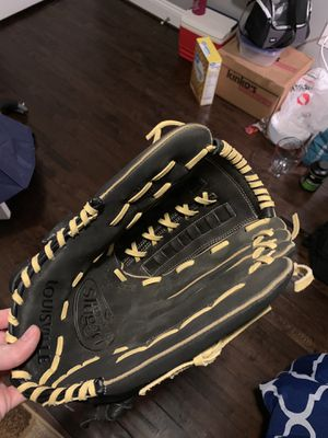 """14"""" Louisville Slugger Slowpitch Softball Glove for Sale in Baltimore, MD"""