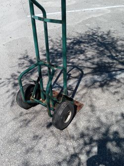Heavy Duty Hand Truck And Two Electric Heaters All For $35 for Sale in New Smyrna Beach,  FL