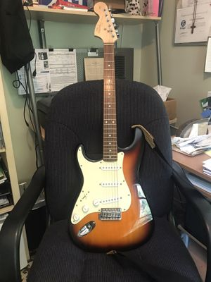 Fender squire strat lefty for Sale in Cheshire, CT