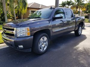 2011 CHEVROLET/ CHEVY SILVERADO LT for Sale in Miramar, FL