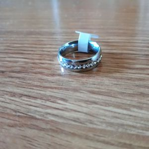 925 Sterling Silver Unisex Wedding Ring, Size 8 for Sale in Dallas, TX