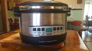 Cooks essentials 8qt pressure cooker for Sale in Pueblo, CO