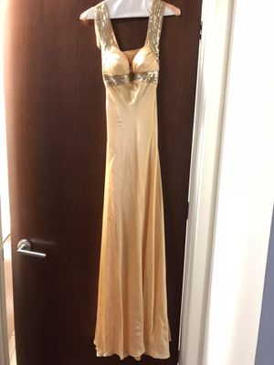 Gold Gorgeous Gown!! Size 0 for Sale in Tampa, FL