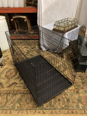 Large Dog kennel 47x29x32 for Sale in Raleigh, NC