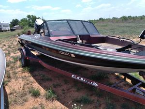 150 horse Evinrude motor boat trailer trolling motor $2,700 has clear titles Will swap for a nice Chevrolet pick up for Sale in Colorado City, TX