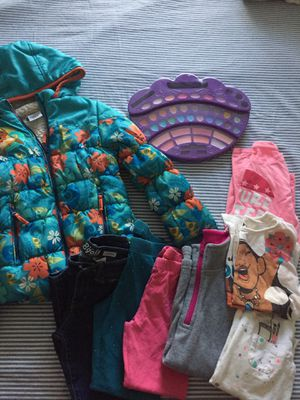 Girls~ Mixed Disney Moana, Skinny Jean, Leggings, Long Sleeve Tees, Short Sleeve Tee, Moana Jacket, Fleece and a Mermaid 🧜‍♀️ MakeUp Pallet~ Size 6 for Sale in Las Vegas, NV