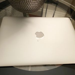 """Apple 2015 MacBook Air 13""""- inch 2.2 Ghz I7 8GB/256 SSD Laptop for Sale in Sacramento, CA"""
