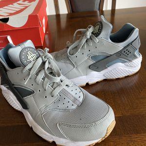 Men's Size 10.5- Nike Air Haurache Gray for Sale in Atlanta, GA